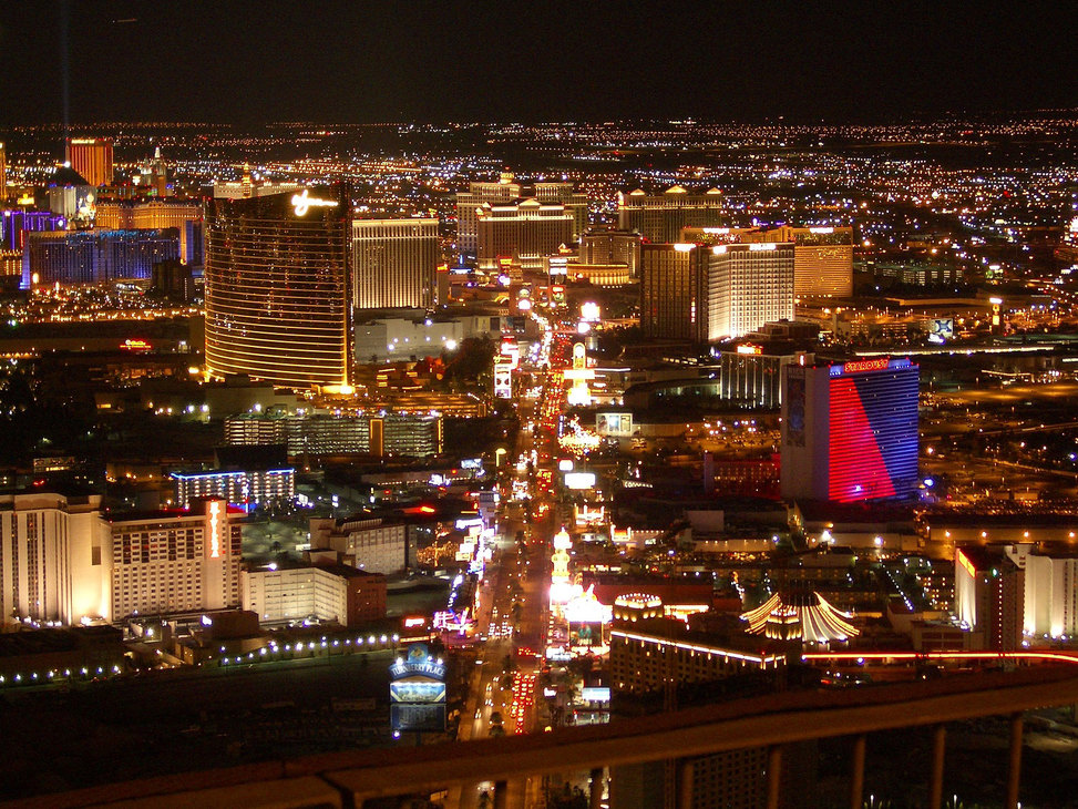 Las vegas strip aerial night3
